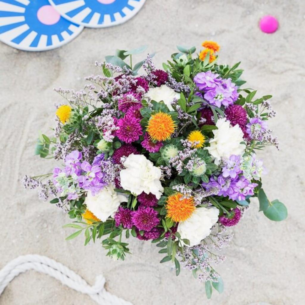 Auto regalarse flores cartamo