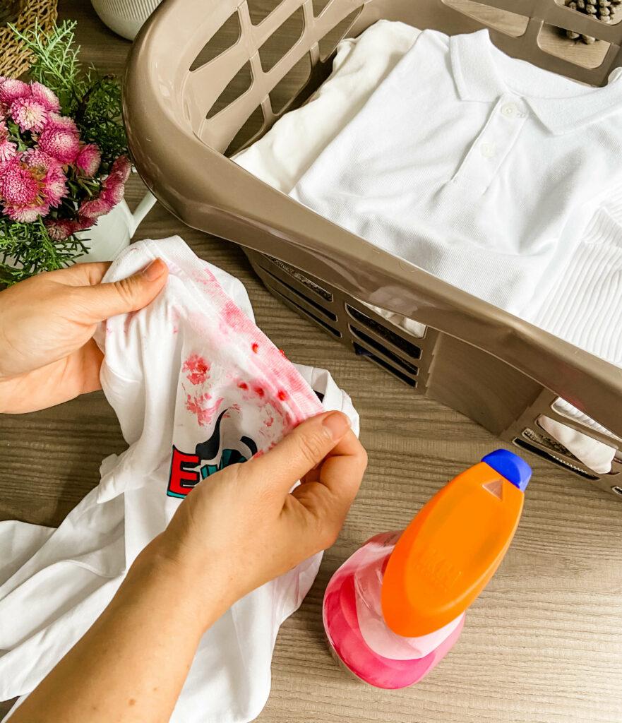 Quitar manchas de fruta de tejidos elásticos