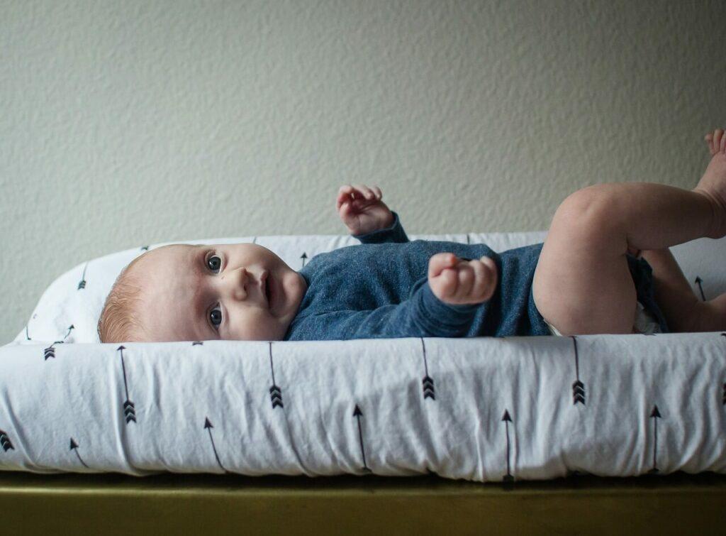Mantén las cacas explosivas del bebe bajo control